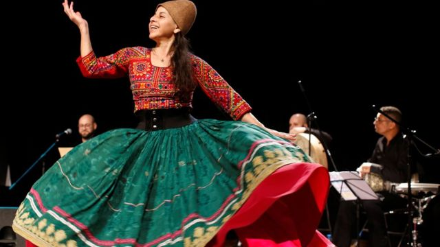 الرقص الصوفي أحد طقوس الاحتفالات بالمولد النبوي في بعض الدول