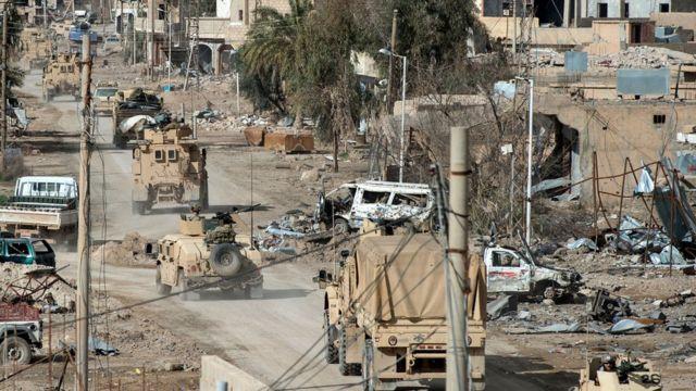مساحت منطقهای که هنوز تحت کنترل داعش است، حدود نیم کیلومتر مربع تخمین زده میشود