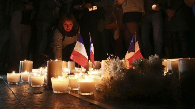 Banderas francesas y velas