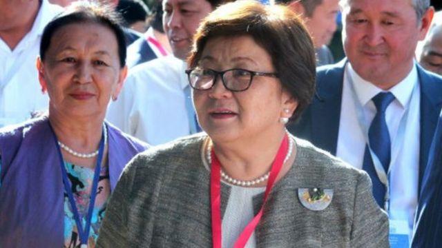 экс-президенти Роза Отунбаева