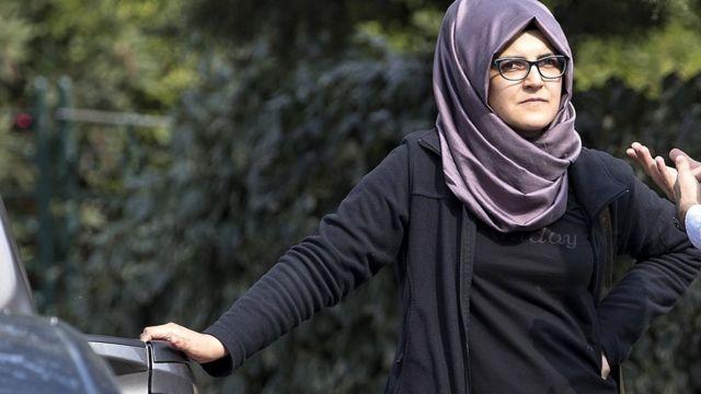 خدیجه، نامزد جمال خاشقجی روز گذشته، یازده مهر جلوی در کنسولگری در استانبول منتظر او بود