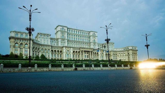 Дворец парламента, Румыния, 1984-97 гг.