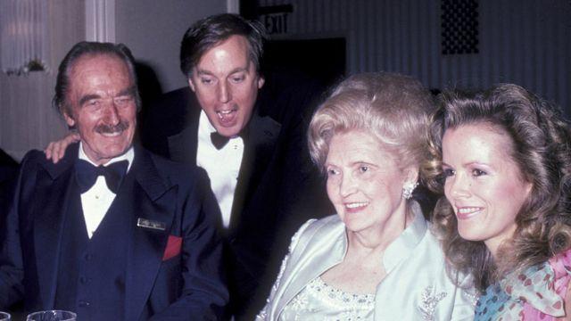 Padres de Donald Trump con Robert Trump y su entonces esposa, Blaine, en 1985.