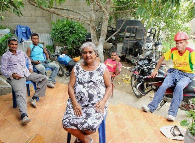 Everlides Almanza com sua família