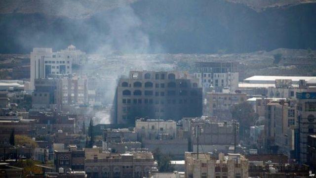 मागील आठवड्यातील संघर्षामुळे सना शहरात 100हून अधिक लोक मृत्युमुखी पडले आहेत.