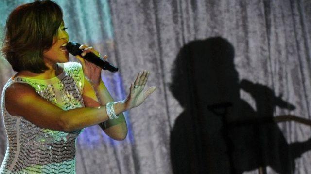 المغنية الراحلة ويتني هيوستن