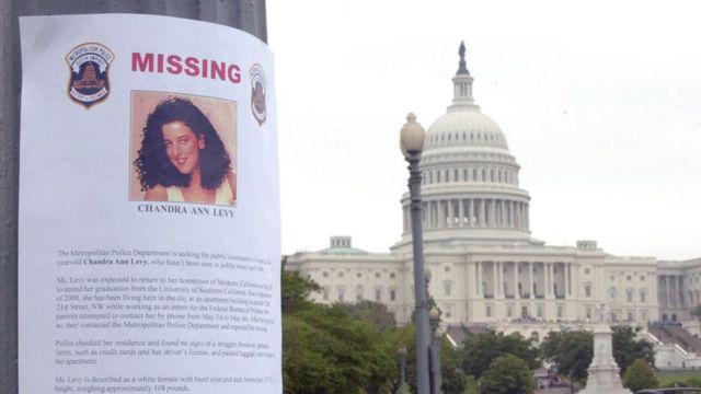 Un cartel de búsqueda de Chandra Levy
