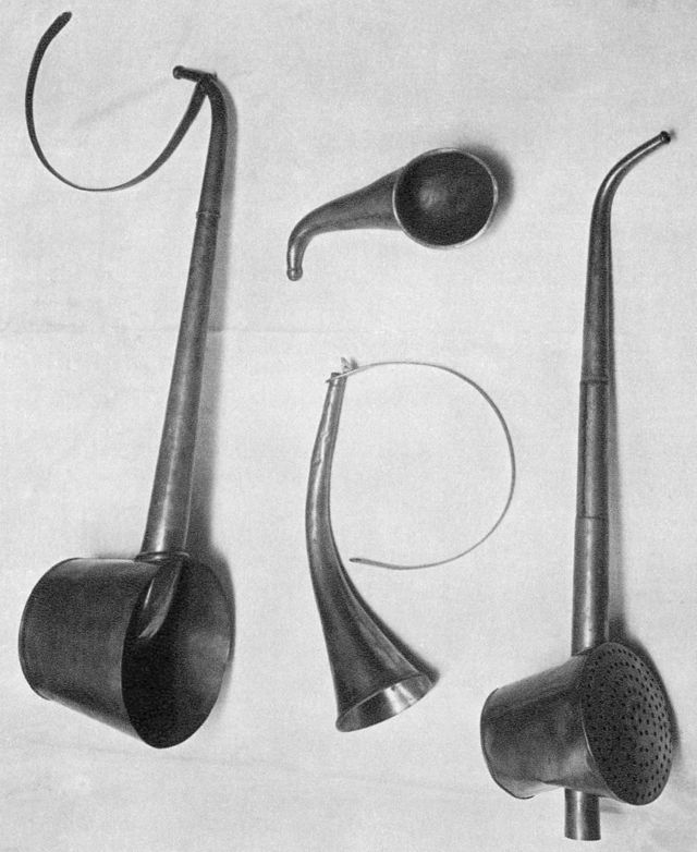 Photo of old hearing aids used by Beethoven