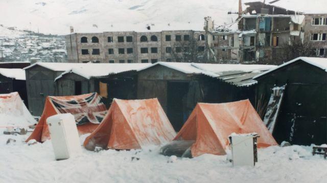 Лагерь отряда британских пожарных в Спитаке