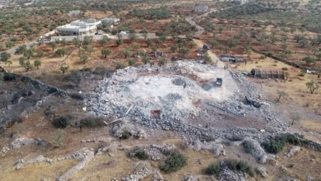 آپریشن کے بعد اس کمپاؤنڈ کی فضائی تصویر جہاں ابوبکر البغدادی موجود تھے