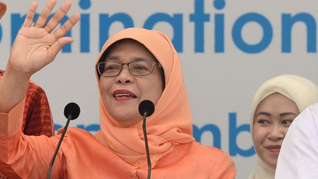 Halimah Yacob a été élue présidente du Parlement en 2013 où elle était déjà la première femme à occuper ce poste.