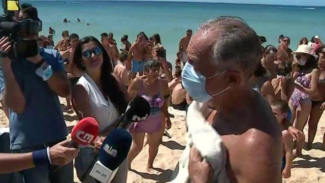 Portuguese president turns hero in Algarve rescue