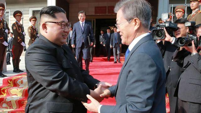 Kim Jong-un dan Moon Jae-in