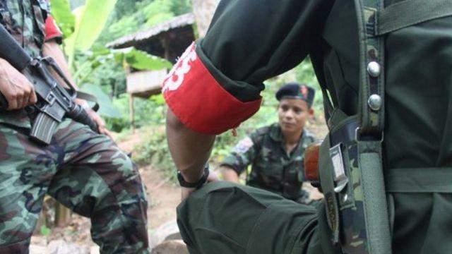 တောတွင်းတနေရာမှာတွေ့ရတဲ့ ကေအန်ယူတပ်မဟာ ၅ တပ်ဖွဲ့ဝင်များ