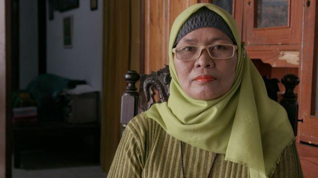 Selfi Salilam fikris grandmother at home
