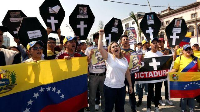 Algunos opositores protestaron el domingo de la elección presidencial.