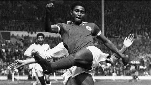 Eusébio, l'un des meilleurs footballeurs de l'histoire est de la Mozambique