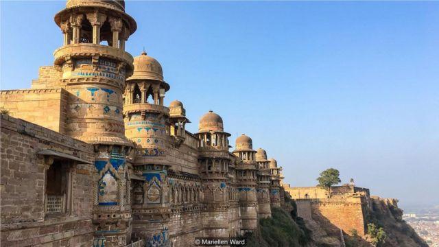 """在印度瓜里尔堡垒里的一座寺庙中,可以找到最古老的书写数字""""零"""" 。"""