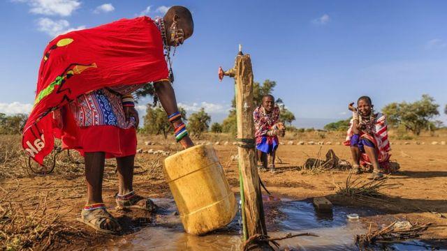 Mulher no Quênia