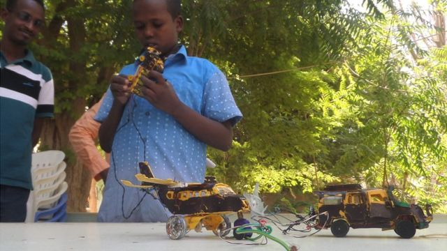 Somalia's 13-year-old inventor finds fame