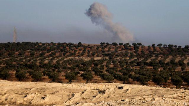 صورة دخان يتصاعد من القصف