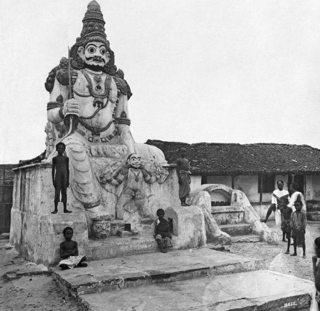 આઝાદી પહેલાં ચેન્નાઈના મંદિરમાં એક હિંદુ દેવતાની મૂર્તિ