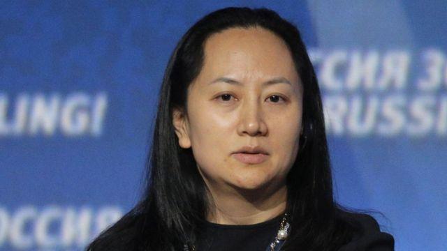 مينغ وانزو ابنة مؤسس شركة هواوي والمديرة المالية لها