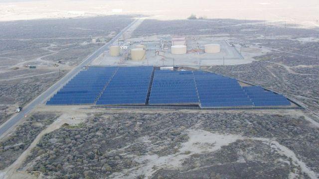 Vista aérea de una instalación solar