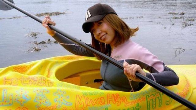 El kayak diseñado por la artista Igarashi.