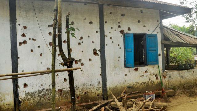 ၂၀၁၉ ဇန်နဝါရီလ ၄ ရက်နေ့မှာ ရခိုင်မြောက်ပိုင်းက နယ်ခြားစောင့်ရဲကင်းစခန်း ၄ ခုကို ရက္ခိုင့်တပ်မတော်ဘက်က တိုက်ခိုက်ခဲ့