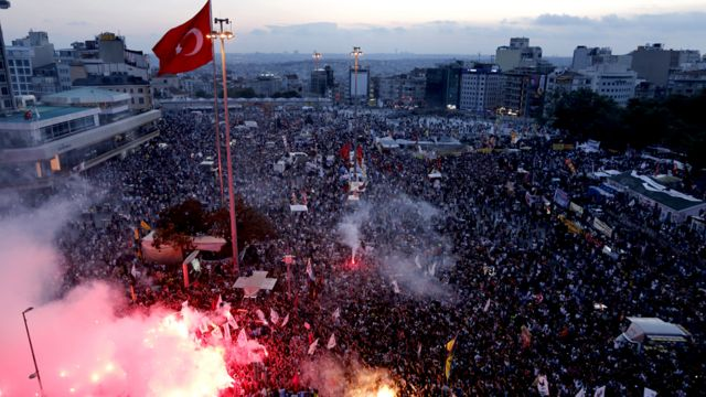 Протесты на площади Таксим в 2013 году