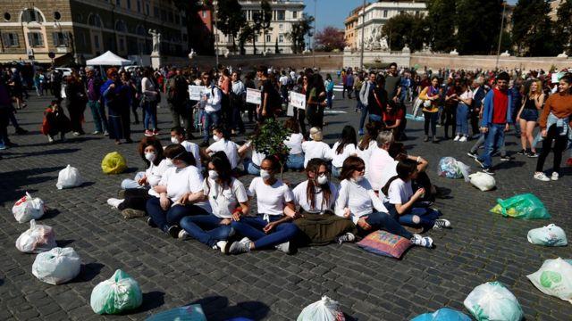 Протестуют не только в Лондоне - в Риме студенты вышли на улицу под теми же лозунгами