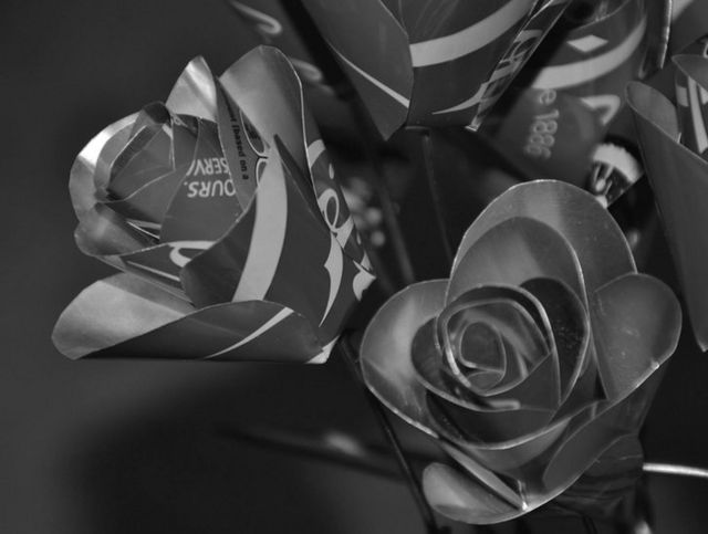 Flores de metal