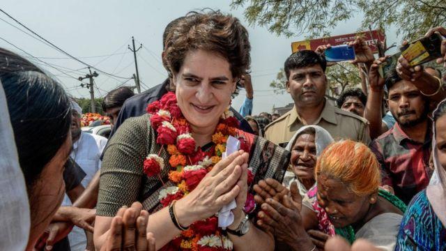 कांग्रेस महासचिव प्रियंका गांधी ने ट्रंप के दौरे पर खर्च को लेकर सवाल किए हैं.