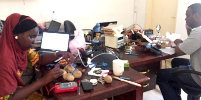 Le laboratoire de Somtou à Dakar