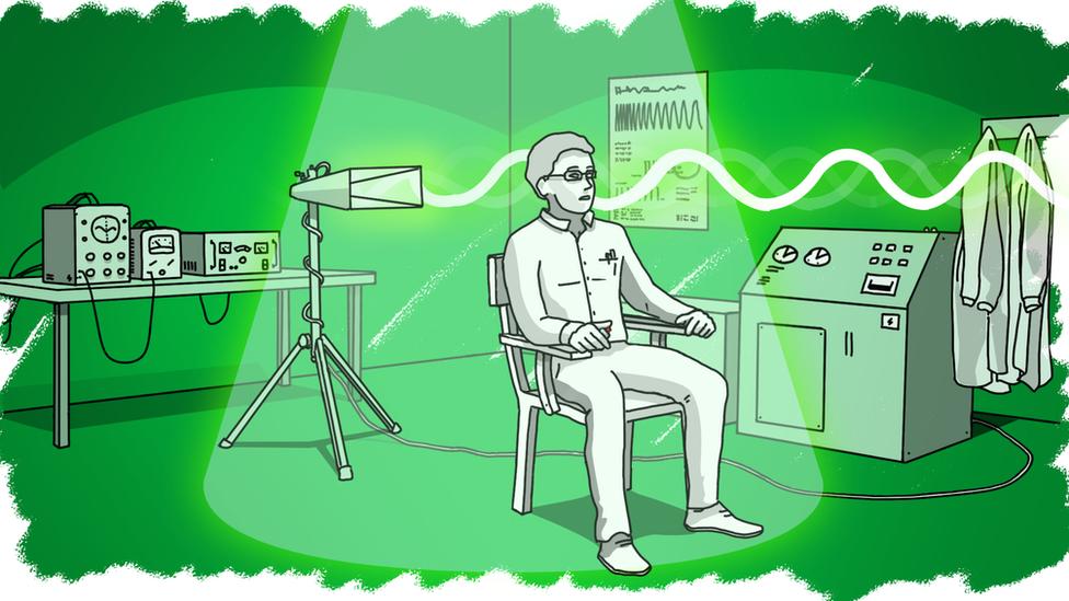 1970年代,就曾有关于微波与人体大脑的试验。(photo:BBC)