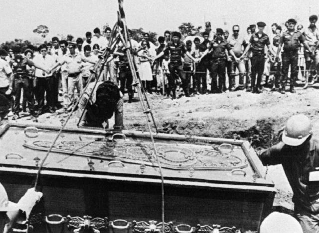 Enterro em Goiânia, Brasil, em 1987