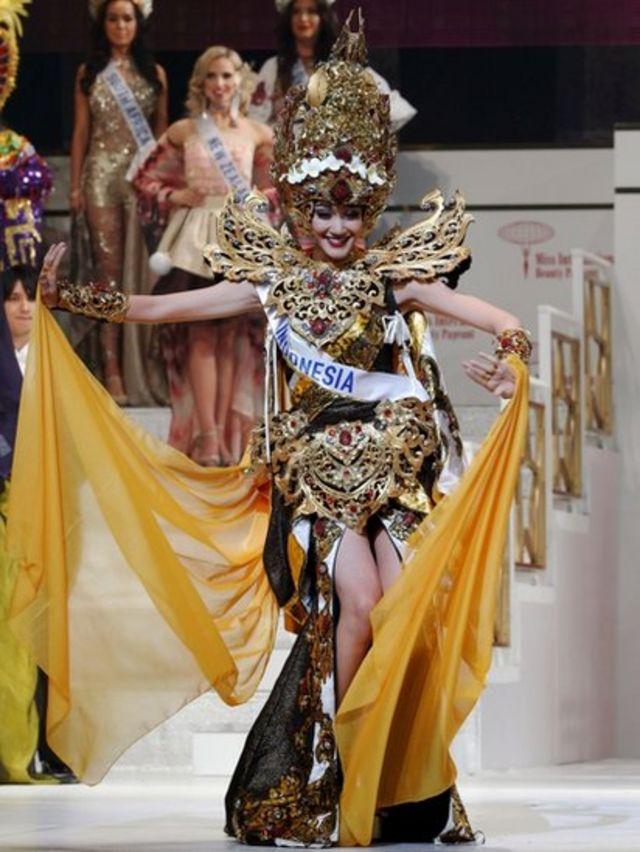 فيليتشيا هوانغ ملكة جمال إندونيسيا
