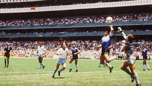 El Dia Que Diego Maradona Hizo El Gol Del Siglo Y Se Convirtio En Villano Por La Mano De Dios Bbc News Mundo