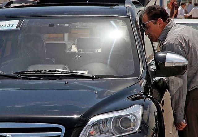 در ماههای اخیر به دلیل افزایش نرخ ارز و بالا رفتن هزینههای تولید، خودروسازان به دنبال منابعی برای جبران افزایش هزینهها بودهاند