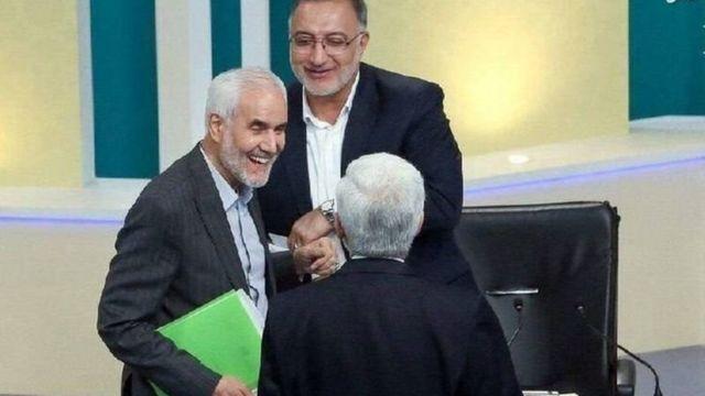 انسحب علي رضا زاكاني لصالح إبراهيم رئيسي، لكن محسن عليزاده (يحمل ملفاً أخضر) انسحب دون أن يؤيد أو يدعم أياً من المرشحين.