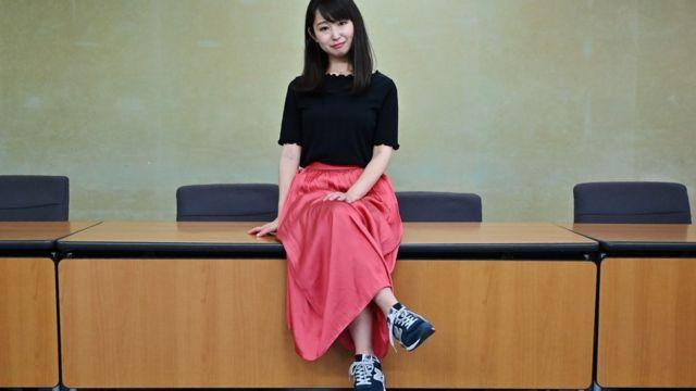 Jumi Išikava kaže da je morala da nosi visoke štikle u pogrebnoj kompaniji