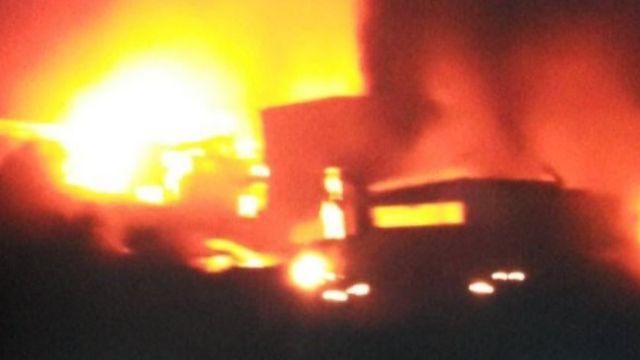 Seorang blogger pro pemerintah Suriah memposting gambar yang diduga menunjukkan serangan itu.