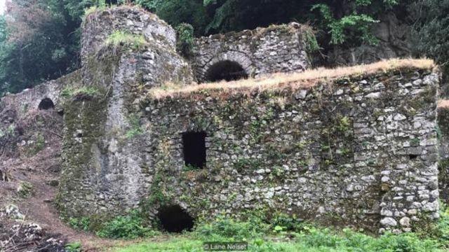 Pasta của Gragnano được làm bằng bột mì đã từng được xay tại các nhà máy xay chạy bằng sức nước ở Valle dei Mulini gần đó.