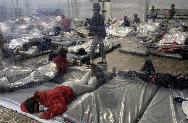 هنری كوئلار، عضو دموکرات کنگره از تگزاس، تصاویری از بازداشتگاه مهاجران به نام