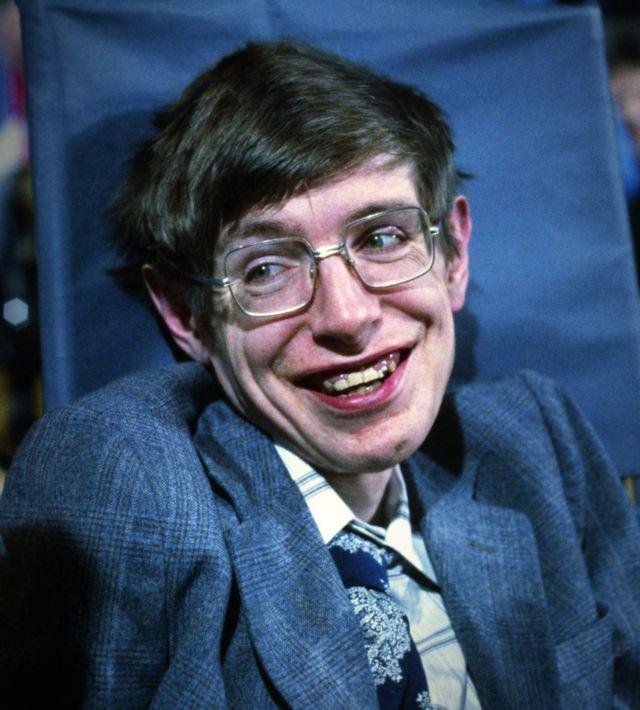 Stephen Hawking wuxuu ahaa Seynis yahan
