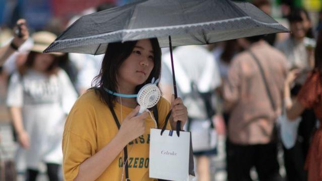 日本では東京近郊の熊谷で摂氏41.1度の最高気温を記録した。これは観測史上最高の数字だ
