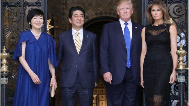 (左至右)安倍昭惠、安倍晋三、特朗普和特朗普夫人梅拉尼娅