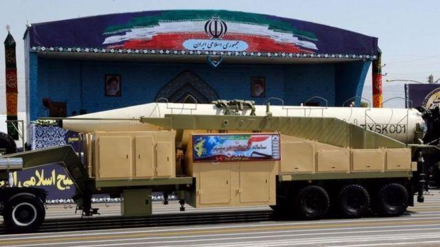 ایران می گوید برد بلندترین برد موشک آن که یک موشک زمین به زمین به نام خرمشهر است است ۲ هزار کیلومتر است