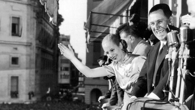 Juan Domingo Perón con su esposa, Eva Duarte de Perón